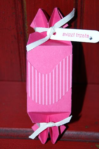 Sweet treat favor box